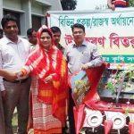 টাঙ্গাইলে সরকারি উদ্যোগে কৃষকদের হারভেষ্ট মেশিন প্রদান