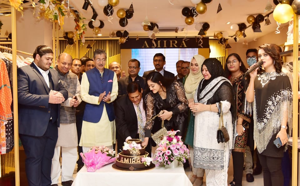 Lifestyle Brand AMIRÁ opens its First Showroom